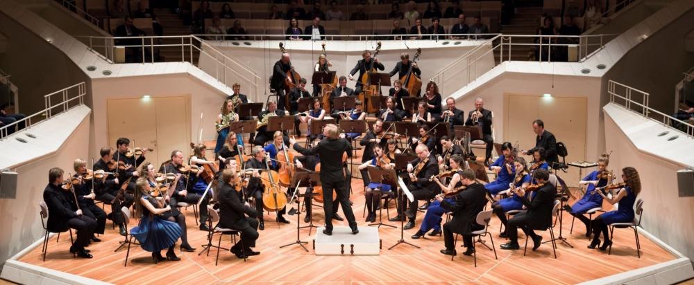 1 Le Concert Olympique2 CR Peter Adamik
