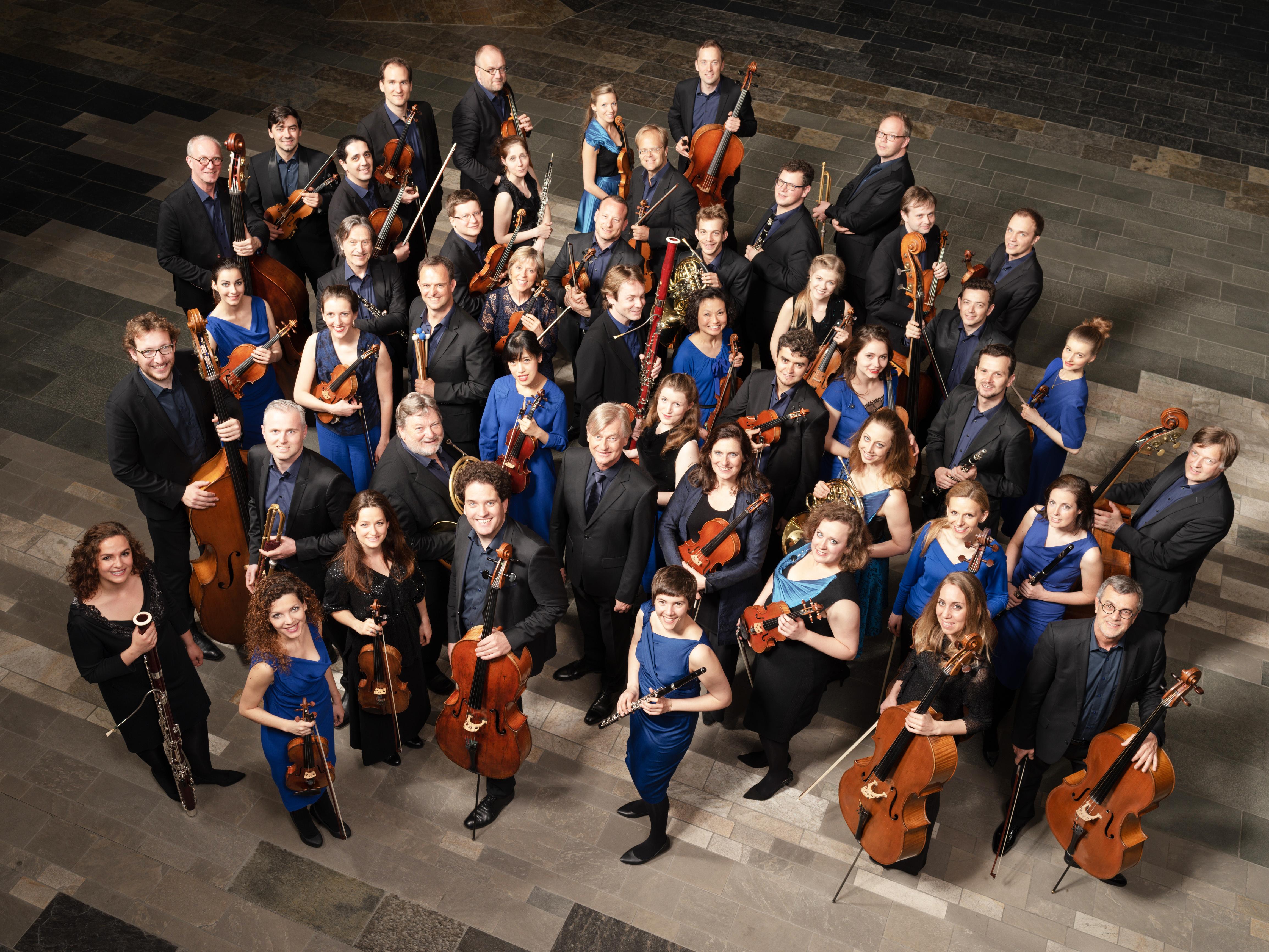 LCO orchestra1 CR Peter Adamik